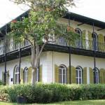 Ernest Hemingway's colonial house in Key West ?